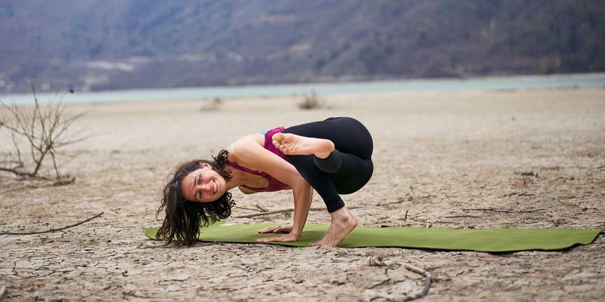 Nairi yoga arrampicata