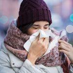 Cerchi una cura naturale per il raffreddore? Prova lo yoga!