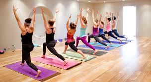 concetto sbagliato yoga seduti