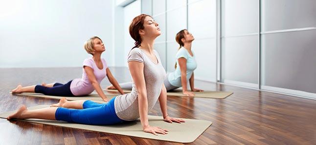 cobra asana yoga torcicollo