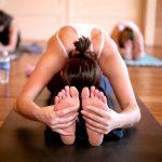 Allungamento muscolare:  super flessibili praticando yoga