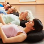 Il rilassamento profondo nello yoga: cos'è, i benefici e come si pratica