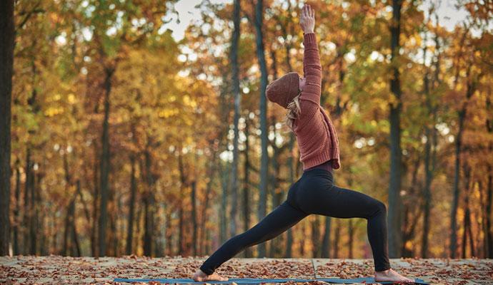 Yoga come metodo naturale per rafforzare i muscoli della schiena
