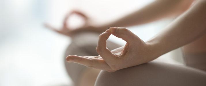 benefici emotivi dello yoga