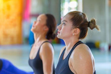 consapevolezza durante le posizioni yoga