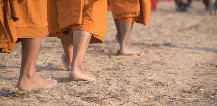 La meditazione camminata e pada bandha