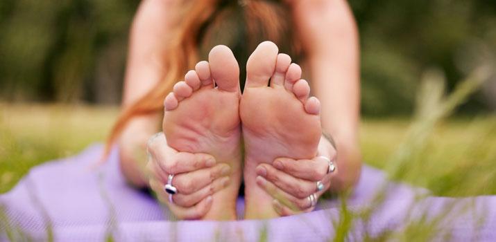 piedi e yoga