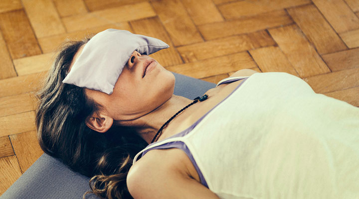 posizioni yoga per insonnia