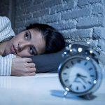 Yoga per l'insonnia:  come dormire meglio e dire addio ai disturbi del sonno