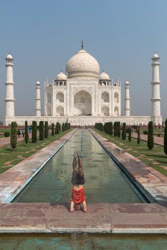 Sirsasana-in-Taj-Mahal