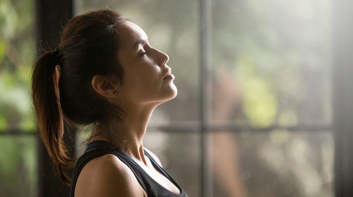 Il respiro consapevole nello yoga
