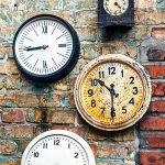 Come vivere nel presente combattendo il tempo psicologico
