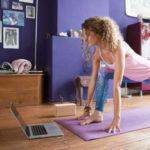 Fai yoga da autodidatta? Ecco come praticare da soli