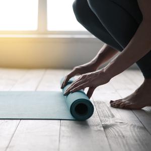 Risparmia tempo soldi yoga online