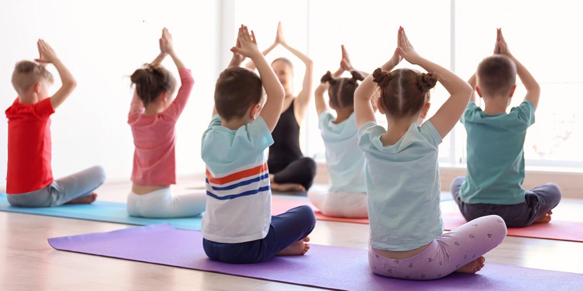 Benefici yoga bambini