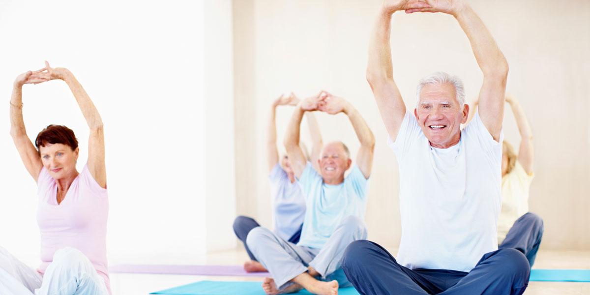 Consigli yoga per anziani